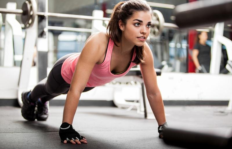 4 вправи, які допоможуть схуднути в боках та животі