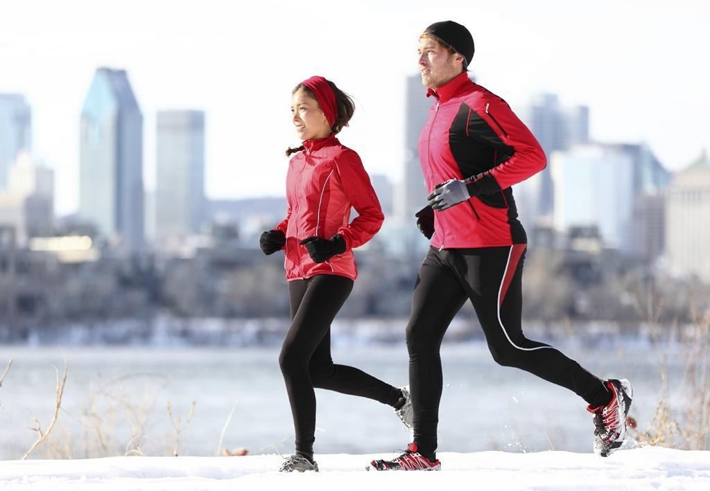 Як правильно бігати восени і взимку
