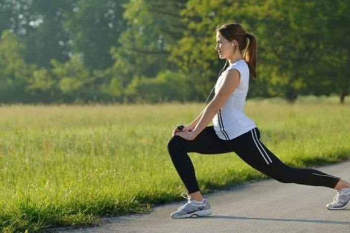 Прості і дуже ефективні комплекси вправ, які можна робити де завгодно