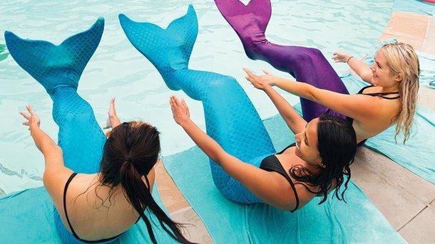 Новий вид фітнесу - плавання з хвостом