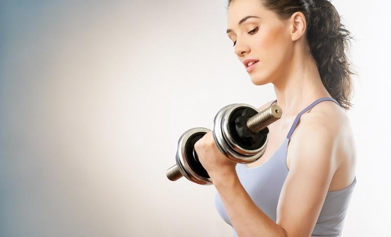 Незамінні вправи із гантелями для жінок