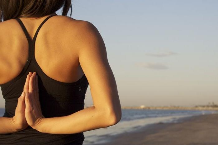 Ефективні вправи від сутулості