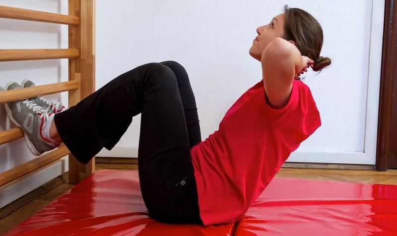 Комплекс вправ для схуднення на шведській стінці