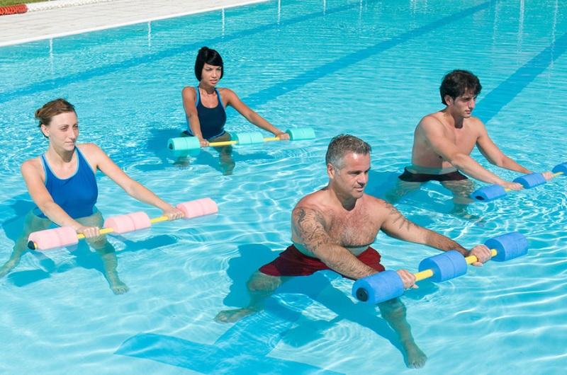 Переваги і нюанси аквааеробіки для схудення