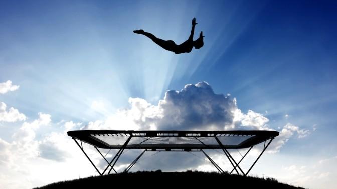 Користь стрибків на батуті для схуднення