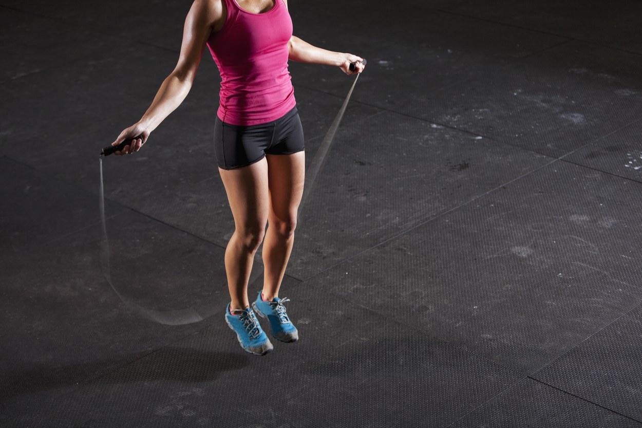 Кращі вправи зі скакалкою для спалювання жиру